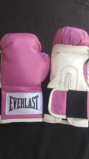 Everlast boxing gloves for Sale in Upland, CA
