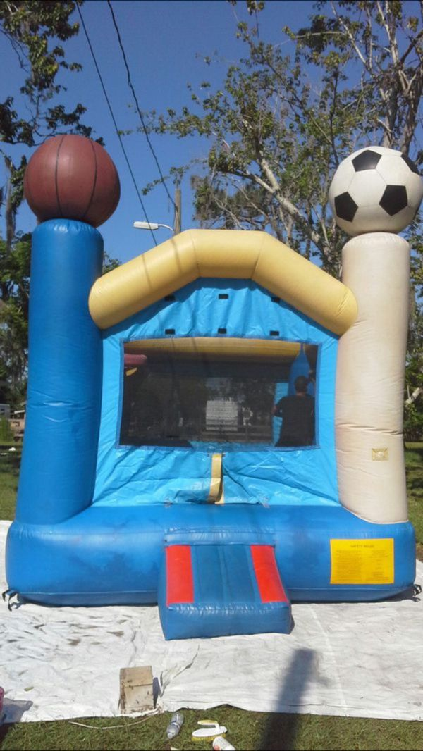 COMMERCIAL BOUNCE HOUSE WITH BASKETBALL HOOPS ( NO BLOWER INCLUDED)
