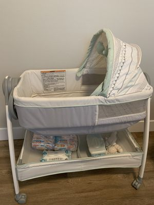 Convertible bassinet/changing table for Sale in Puyallup, WA