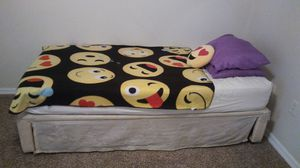 Extra long twin bed with twin size trundle for Sale in Dunedin, FL