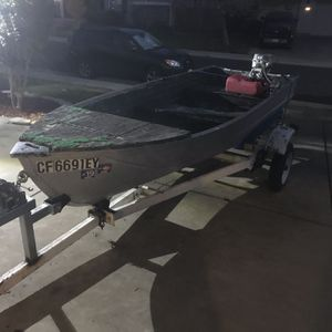 12ft Aluminum Boat for Sale in Elk Grove, CA