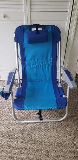 5 Reclining Backpack Beach Chairs w/cooler, storage, head rest and cup holder $50 for Sale in Bowie, MD