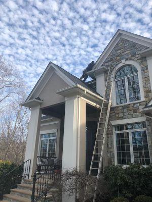 Se hacen trabajos de roofing,siding,ventanas y gutters for Sale in Manassas, VA