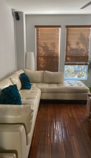 Off White Leather Couch for Sale in San Marcos, CA