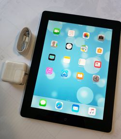 """iPad 4 , 4th Generation """"Factory+iCloud Unlocked Condition Excellent"""" (Like Almost New)""""Usable with Wi-Fi only internet access. for Sale in Springfield,  VA"""
