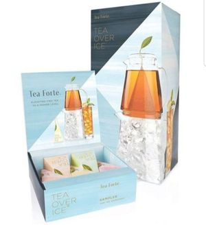 Tea Forte TEA OVER ICE Steeping Tea Pitcher Set and Iced Tea Infuser Sampler Box with 5 Different Tea Blends for Sale in Bakersfield, CA