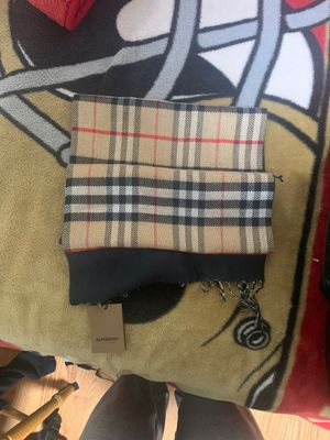 Burberry scarf for Sale in Livermore, CA