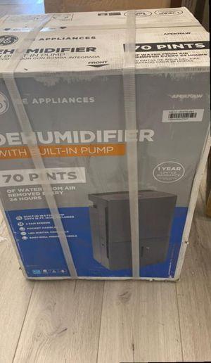 Open box GE Dehumidifier Z0H for Sale in Niederwald, TX