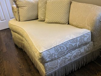 Beige Chaise Lounge for Sale in Gibbsboro,  NJ