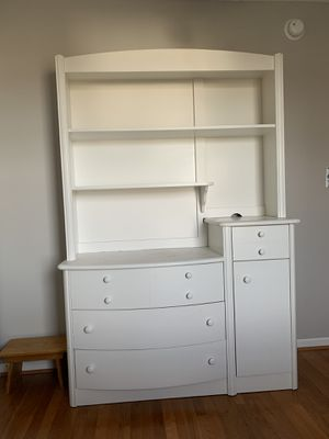 Dresser for Sale in High Point, NC