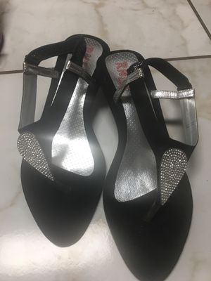 Free shoes size 8 for Sale in Garland, TX