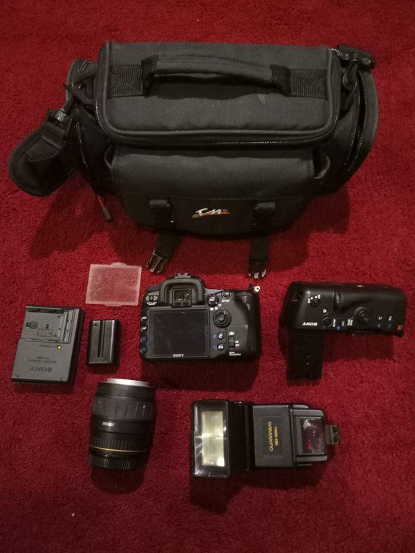 Sony Alpha DSLR-A700 Digital SLR Camera - Black
