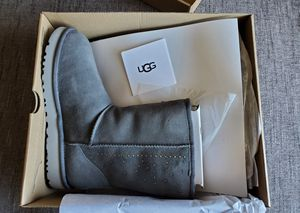 UGG Boots sizes 8 for Sale in San Lorenzo, CA