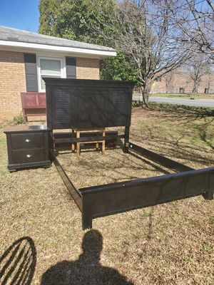 Queen size bed frame and nightstand for Sale in Charlotte, NC