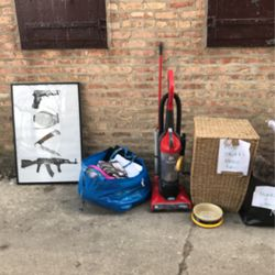 Free Stuff! Housewares And Clothing for Sale in Chicago,  IL
