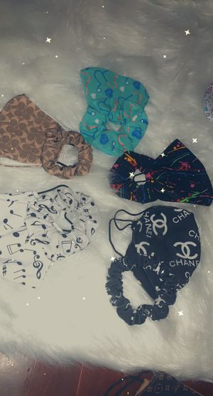 Face masks. Some with scrunchees for Sale in Streetsboro, OH