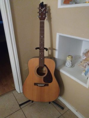 Guitar for Sale in Brownsville, TX