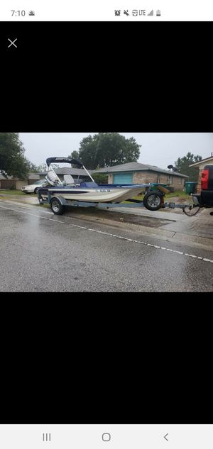 Bass boat fishing boat flats boat for Sale in Lockhart, FL