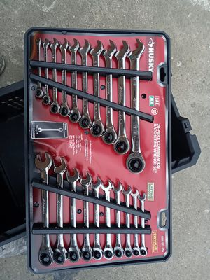 20 piece racheting wrench set. Sae and metric for Sale in North Olmsted, OH