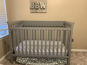 Crib and changing table for Sale in Willingboro, NJ