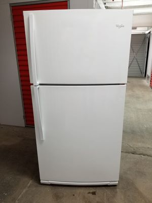 Whirlpool Refrigerator for Sale in Peabody, MA