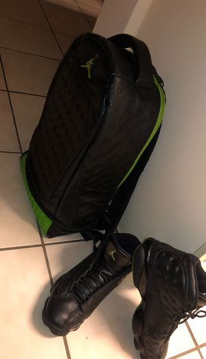 Retro 13 deal (back to school) size 9 for Sale in Hialeah, FL