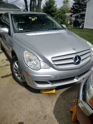 Mercedes R350 parts for Sale in Columbus, OH