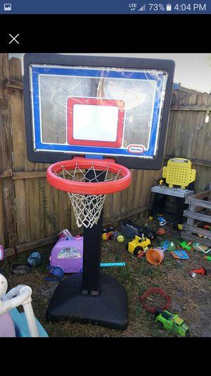 Basketball hoop for Sale in Avon Park, FL