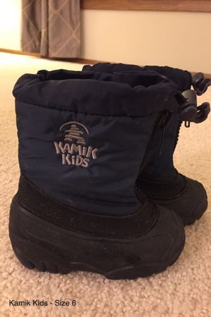 Boys Kamik Kids Winter Snow Boots - Size 6 for Sale in Burnsville, MN