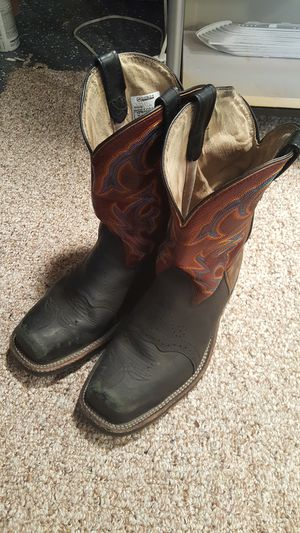 Steel toe boots for Sale in Andover, KS