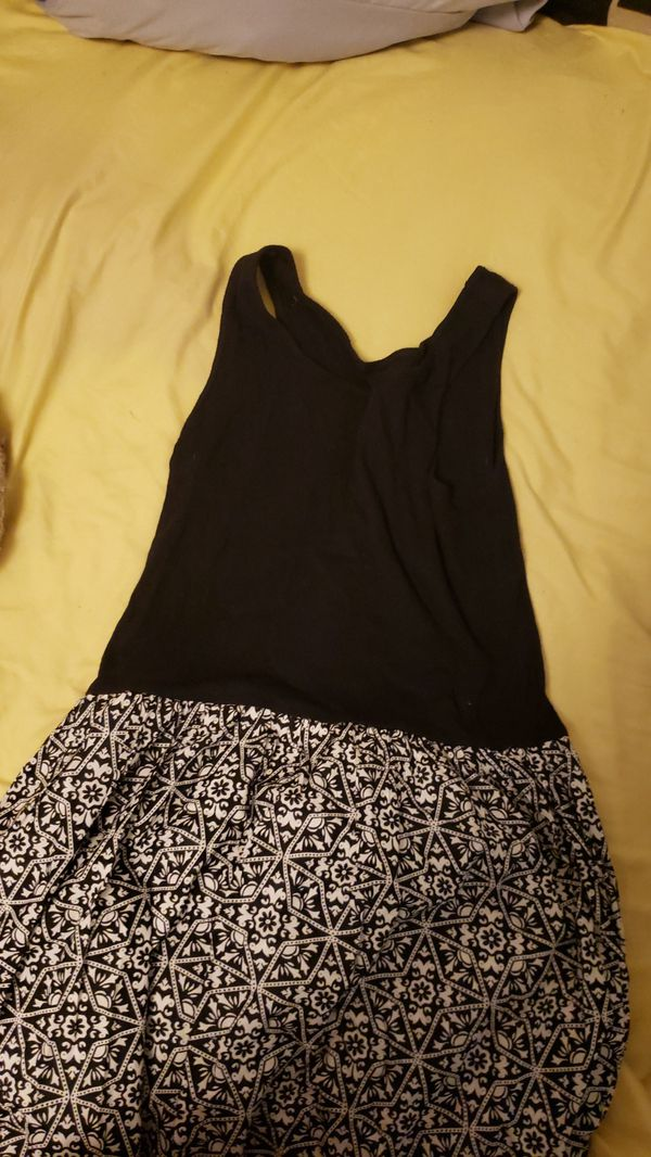 Kids/teen clothes from Old Navy, Gap, Justice, and other brands. Ranges from skirts, shirts, leggings, Jeans, shirts, dresses.