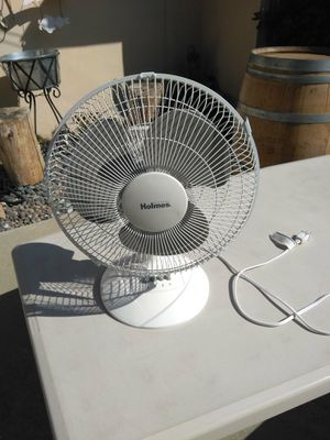 Basic oscillating fan for Sale in Temple City, CA