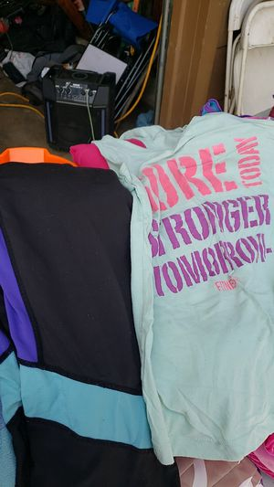 Workout outfit free for Sale in Ceres, CA
