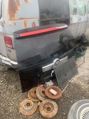 2011 Cadillac Escalade parts for Sale in Chicago, IL