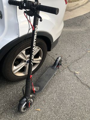 Swaggtron electric scooter for Sale in Springfield, VA