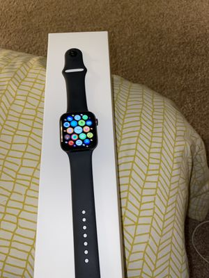 Apple Watch 5 44 for Sale in Tampa, FL