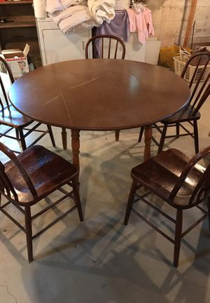 Vintage table and chairs for Sale in Petoskey, MI