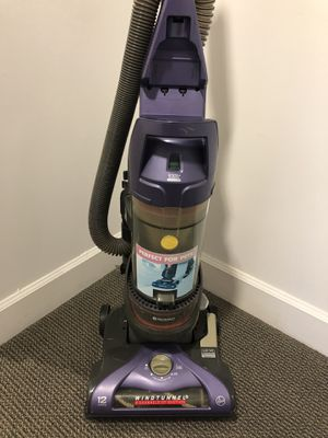 Vacuum cleaner Hoover $65 for Sale in Miami, FL