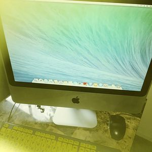 If ur Imac running slow wants to wipwoff. for Sale in Selma, CA