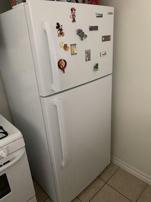 Insignia 18 cu.ft top-freezer refrigerator (very clean) for Sale in Pasadena, CA