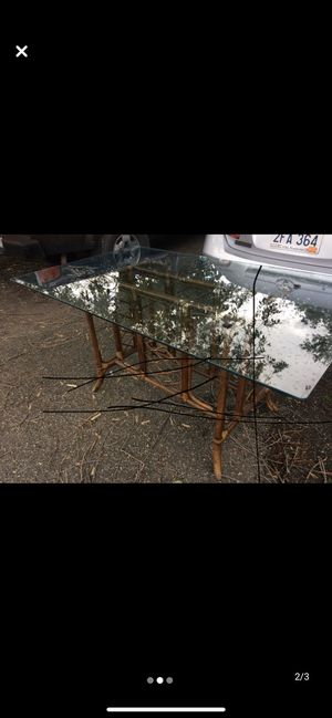 Table and chairs FREE for Sale in Wheeling, WV