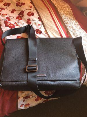 Michael Kors Shoulder / Messenger Bag Black for Sale in Moreno Valley, CA