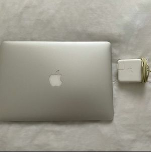 Macbook air for parts/fix for Sale in Oakland Park, FL