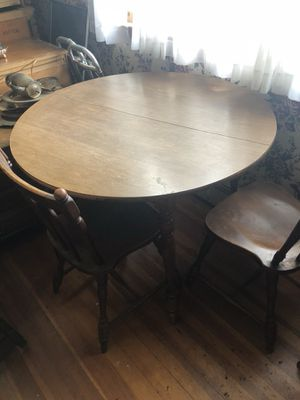 Small Kitchen Table w/ 4 chairs for Sale in Winthrop, MA