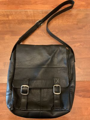 Used Leather messenger bag for Sale in Chicago, IL