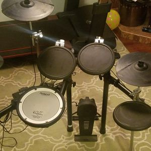 Roland TD-4 Electronic Drums for Sale in Shoreline, WA