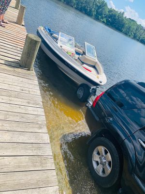 BAYLINER 1995 18.8ft 130hp for Sale in Baltimore, MD