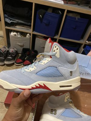 Jordan 5 through room ds size 11 for Sale in Long Beach, CA