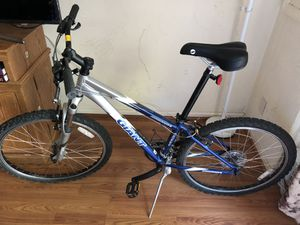Giant Boulder SE Mountain Bike for Sale in Alexandria, VA