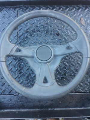Craftman riding mower steering wheel (steering wheel and bolt only) for Sale in Deltona, FL